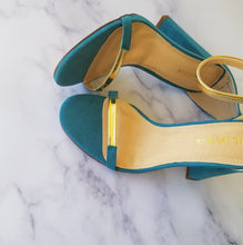 Load image into Gallery viewer, Turq Gold Heels