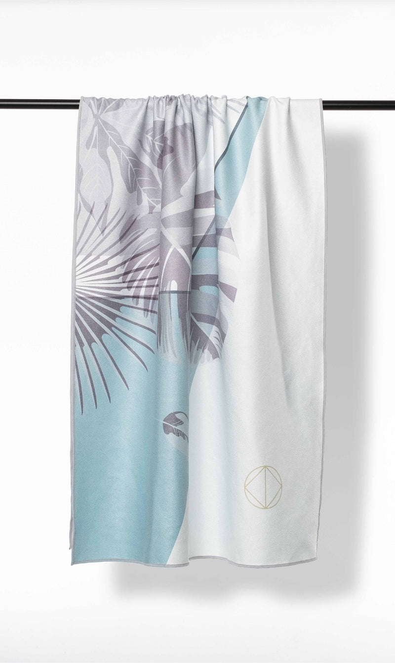 ISLE OF MIND Secretive Anna multipurpose yoga towel front view