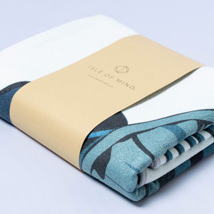 ISLE OF MIND Joyful Jana multipurpose yoga towel packaging detail