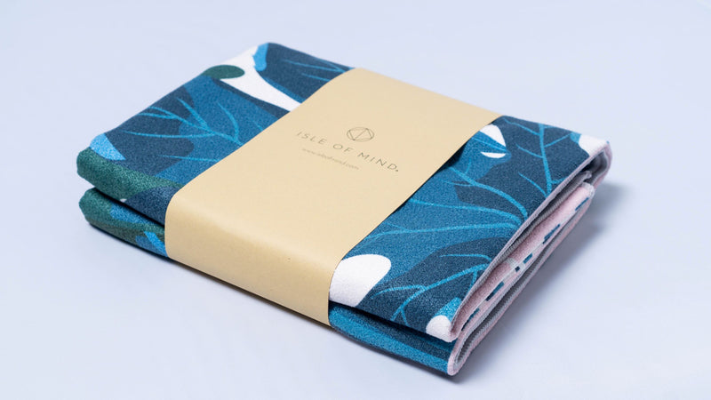 ISLE OF MIND Lovely Hanna multipurpose yoga towel packaging detail