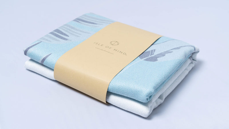 ISLE OF MIND Secretive Anna multipurpose yoga towel packaging detail