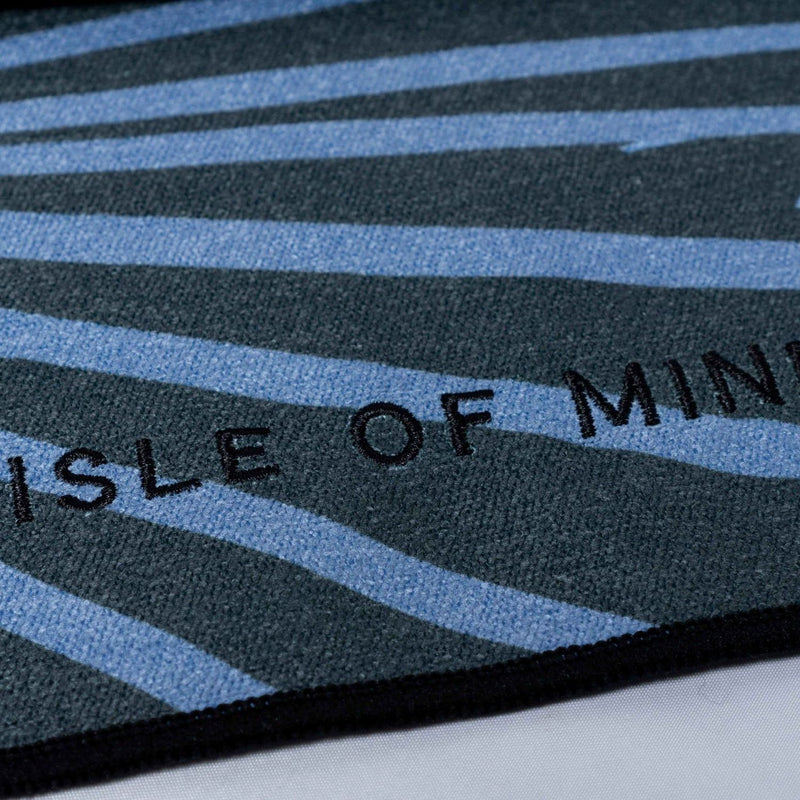 ISLE OF MIND Kind Joey multipurpose yoga towel logo detail