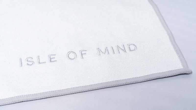 ISLE OF MIND Secretive Anna multipurpose yoga towel logo detail