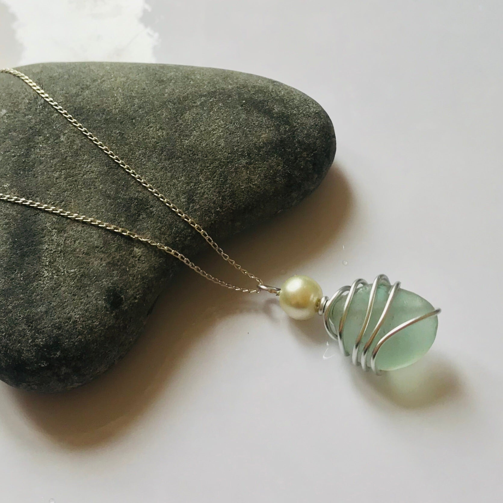 "Lovely Pale Green & Pearl Seaham Sea Glass Pendant On Sterling Silver 20"" chain"