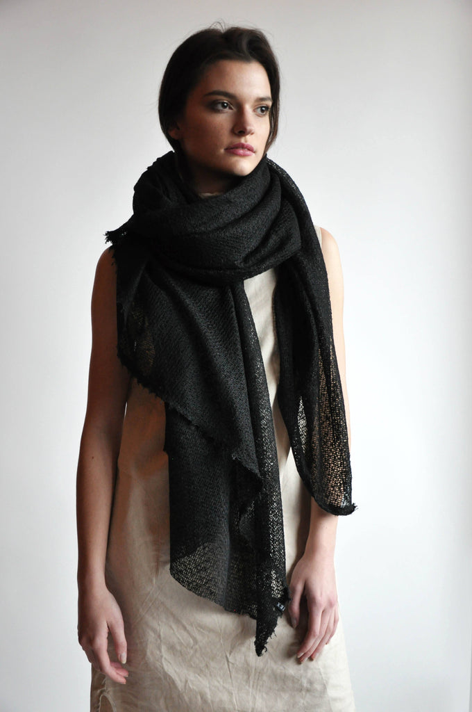 Large Textured Black Scarf [LAST ONE]