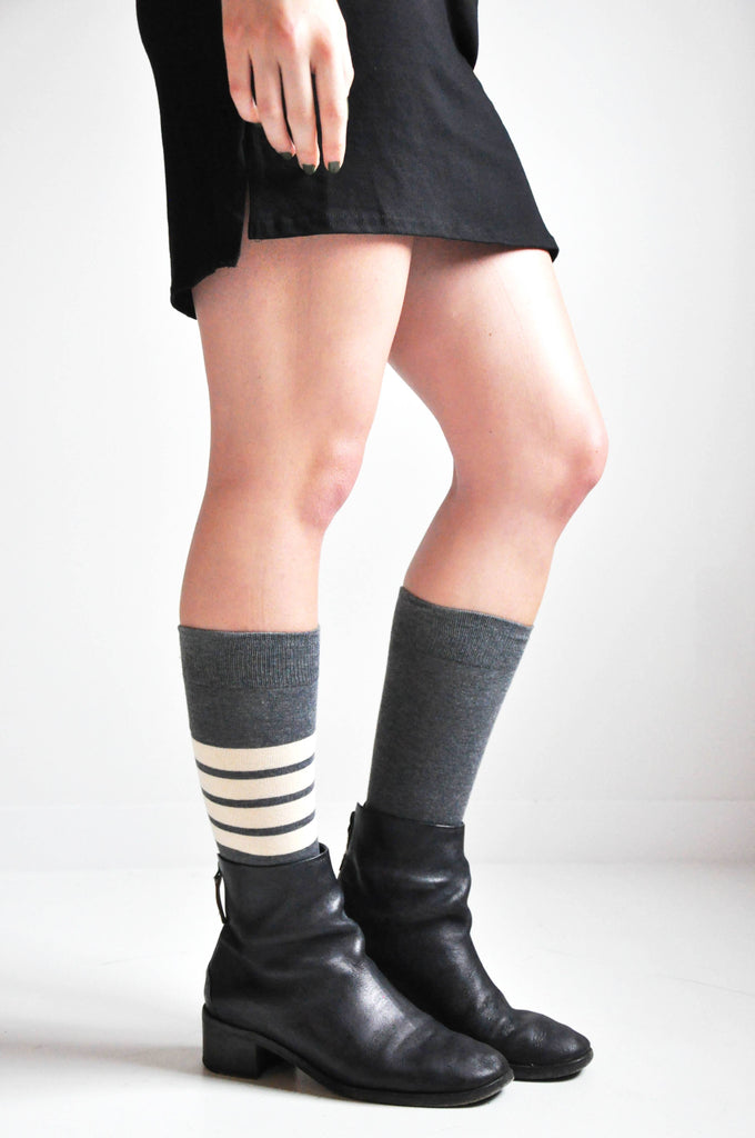 SINGLE LEG STRIPE SOCKS