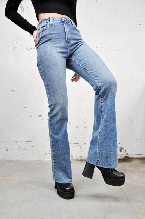 True Vintage High Rise Jeans - Shop Noctex