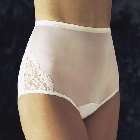 Vanity Fair Perfectly Yours Lace Nouveau Brief
