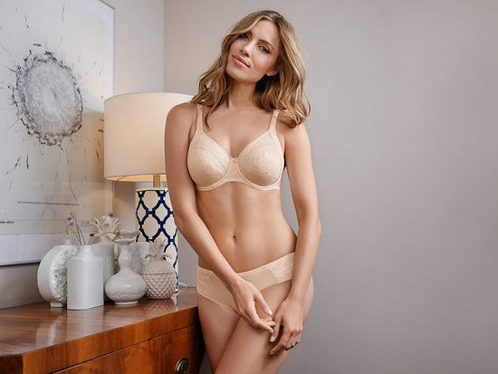 Conturelle Chanson Wireless Molded Bra