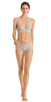 Hanro Luxury Moments All Lace Soft Cup Bra - Sahara