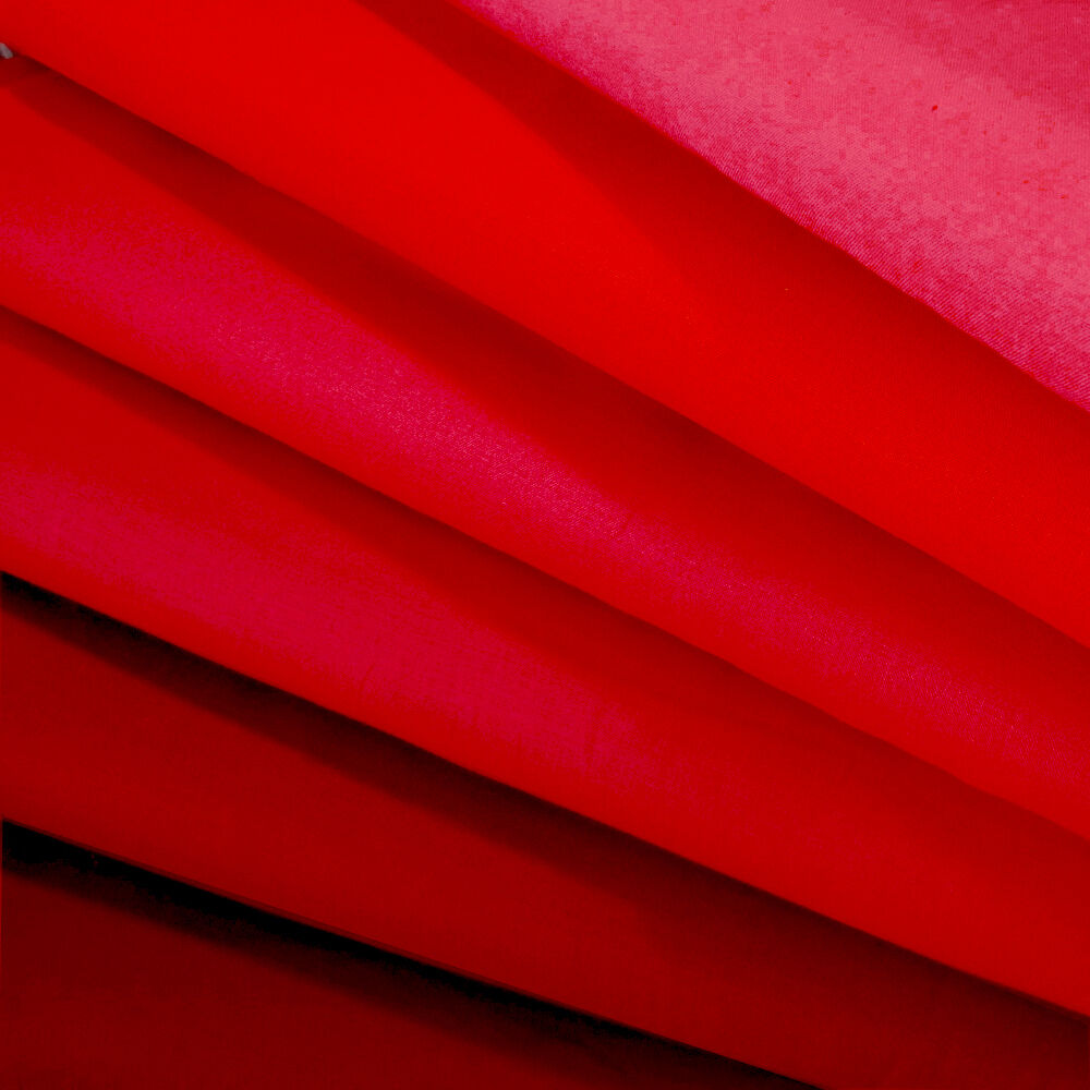 "ROBERT KAUFMAN ""KONA COTTON SOLID"" Red tones by the 1/2 yard"