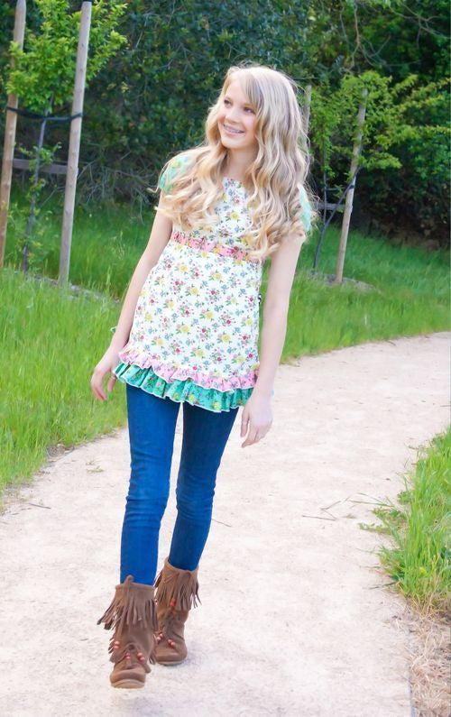 "PINK FIG ""FLOWER CHILD - A PEASANT TOP FOR TWEENS & TEENS"" Sewing Pattern"