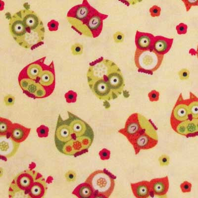 "TIMELESS TREASURES ""APPLE"" OWL Cream 26 inches"