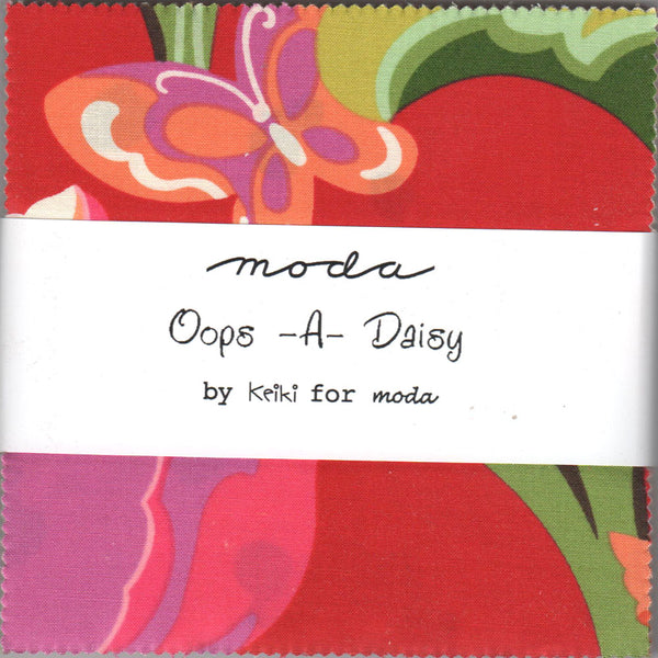 "MODA ""OOPS-A-DAISY"" CHARM PACK 5"" SQUARES 42 pc"
