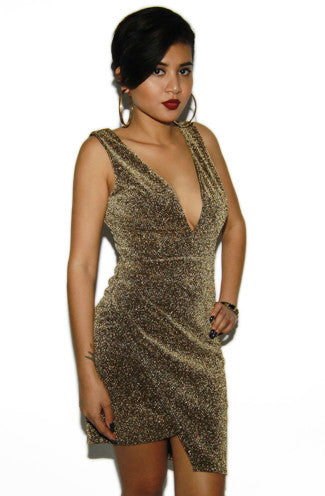 "alt=""gold-sparkly-sheath-cocktail-dress"""