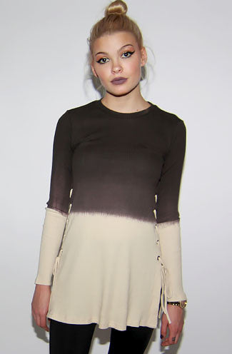 "alt=""long-sleeve-side-drawstring-brown-ombre-ribbed-sweater-front"""