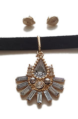 "alt=""rhinestone-hippie-faux-leather-choker-detail"""
