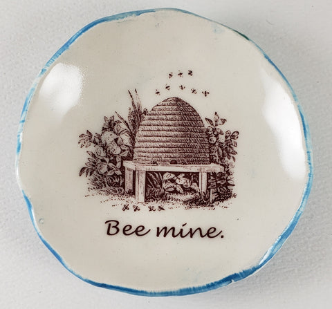 Tiny Plate with Bee Mine