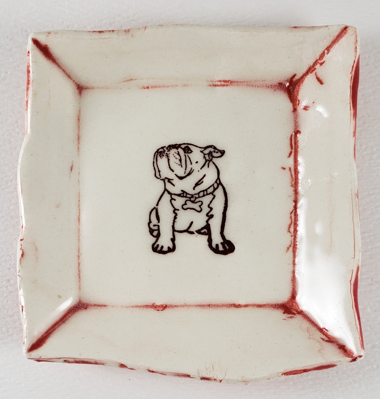 Tiny Plate with a bulldog