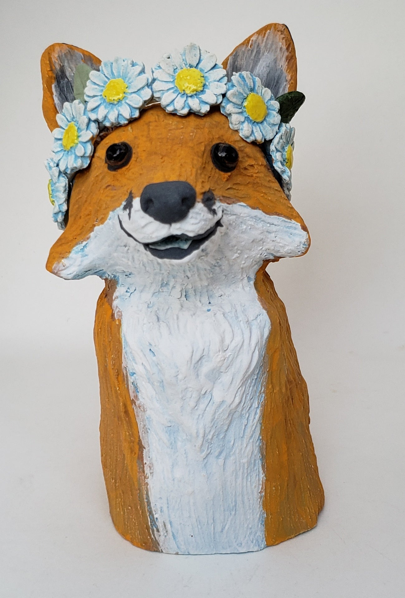 Fanny Fox Wears a Daisy Headband