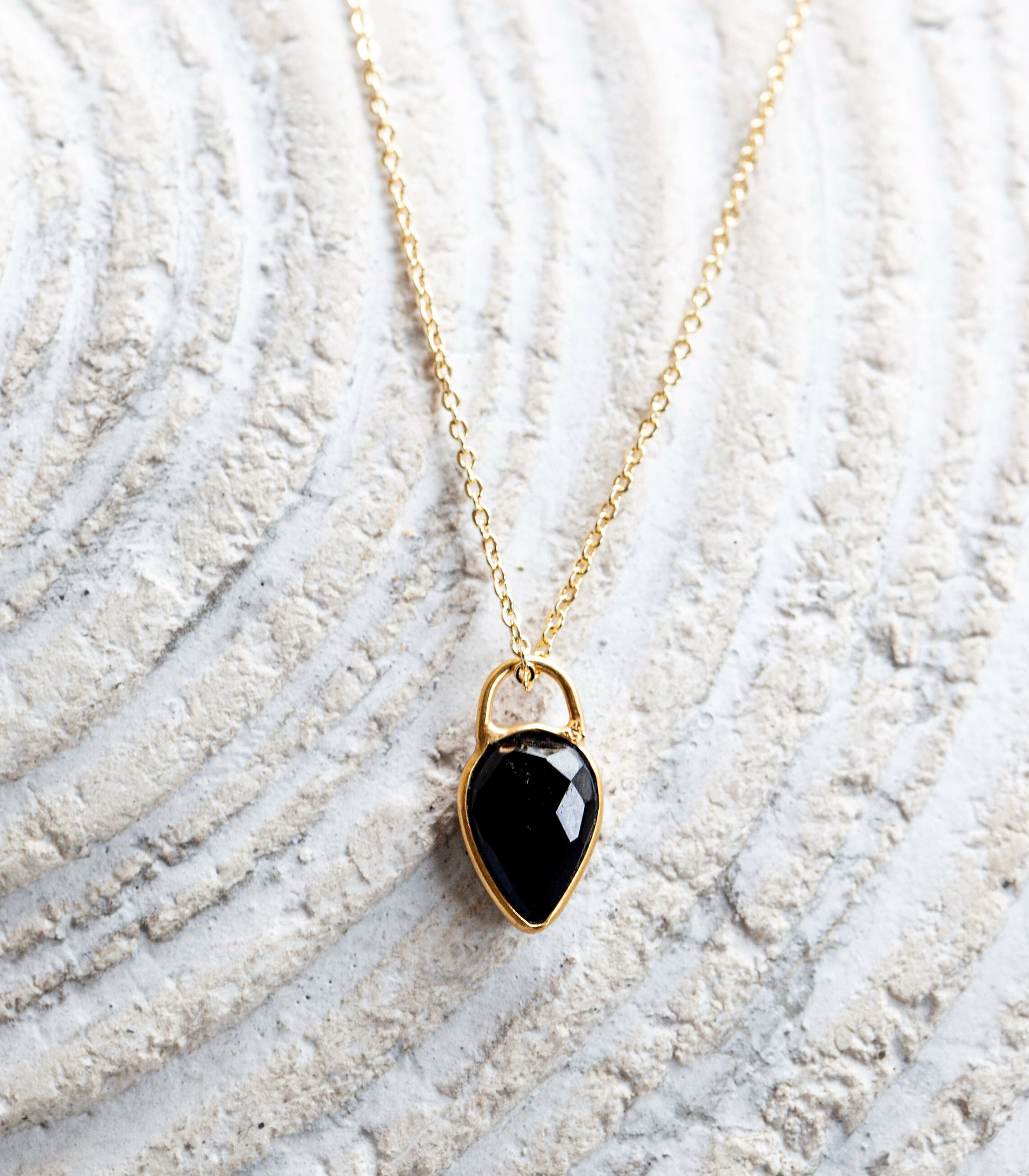 Calm Chakra Achiever Necklace - 12mm Black Onyx Teardrop Pendant ACH-AU2
