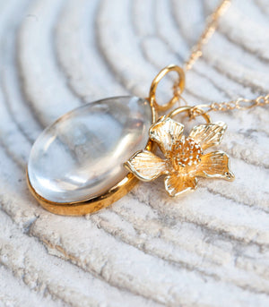 Calm Chakra Heighten Necklace - 26mm Clear Quartz and Flower Pendant HGT-AW1