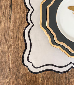 Marvao Scalloped Placemats + Coasters (Set of 6)- Cream