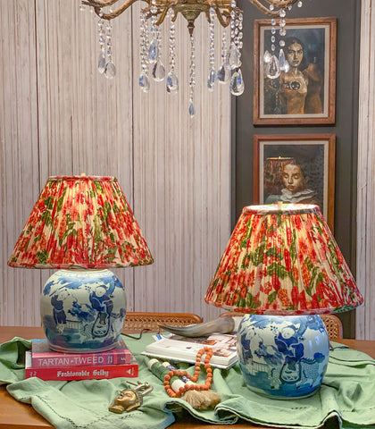Chinoiserie Ginger Jar Lamp (Red Floral Shade)