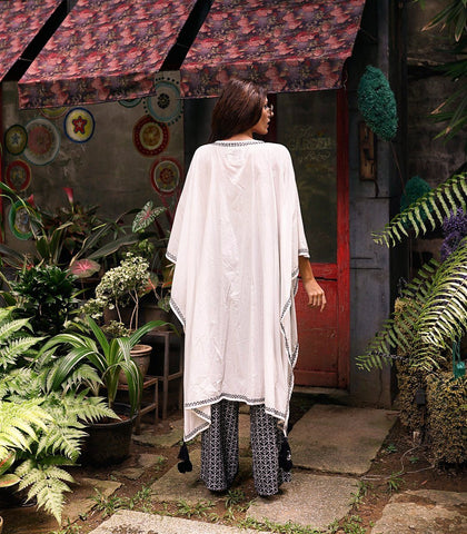 Caftan - Balquemo Embroidered Cape (White)