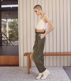 Vinto Pleat Front Linen Trousers (Olive)