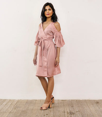 Robes - La Tercera Shoulder Cut-Out Short Robe (Pink Salmon)
