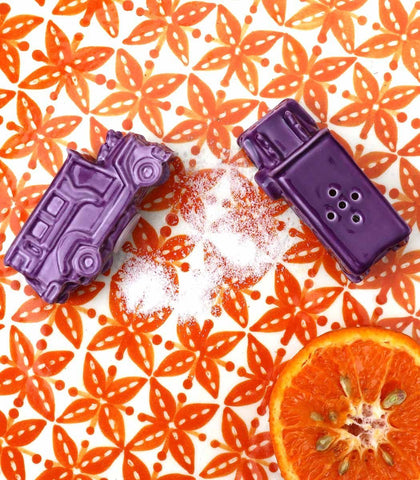 Salt & Pepper Shaker - Jeepney Salt And Pepper Shaker