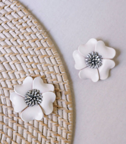 Shoe Accessory - Wanderlust Leather Flower Shoe Clip (Fleur)
