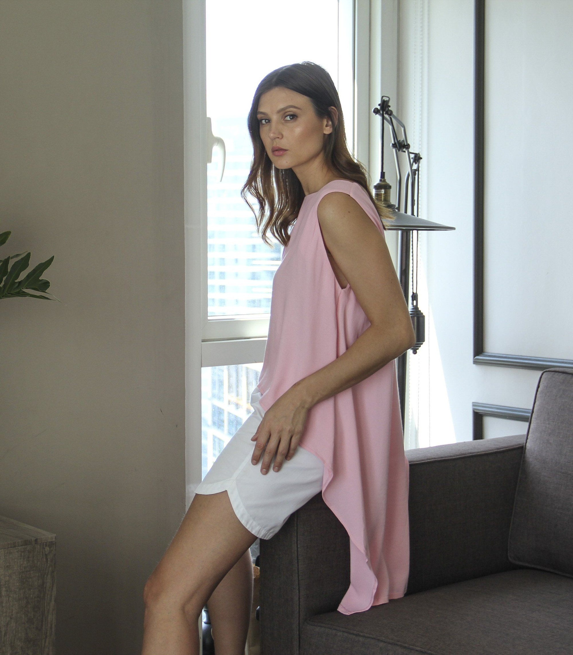 Top - Florence Fling Sleeveless Mullet Top (Peach)