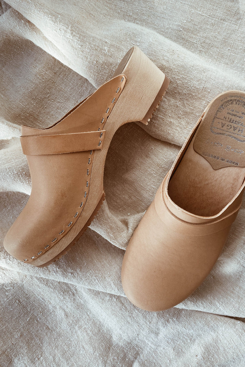 Adult Leather Clogs - Natural