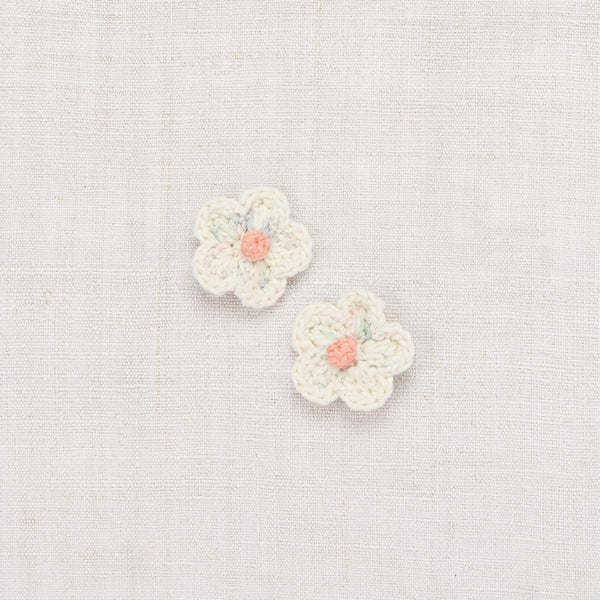 Medium Crochet Flower Clip Set - Faded Space Dye/Vanilla/Coral