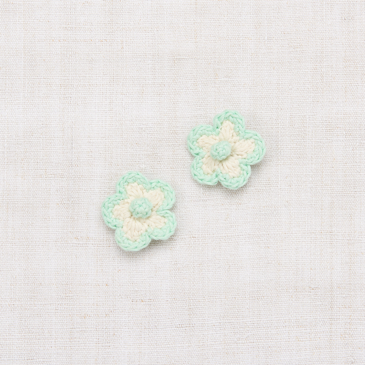 Medium Crochet Flower Clip Set - Vanilla/Mint