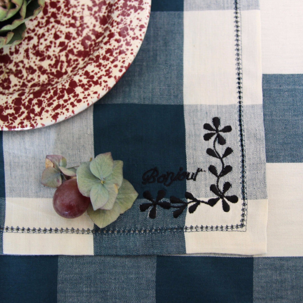 Embroidered Napkin Set