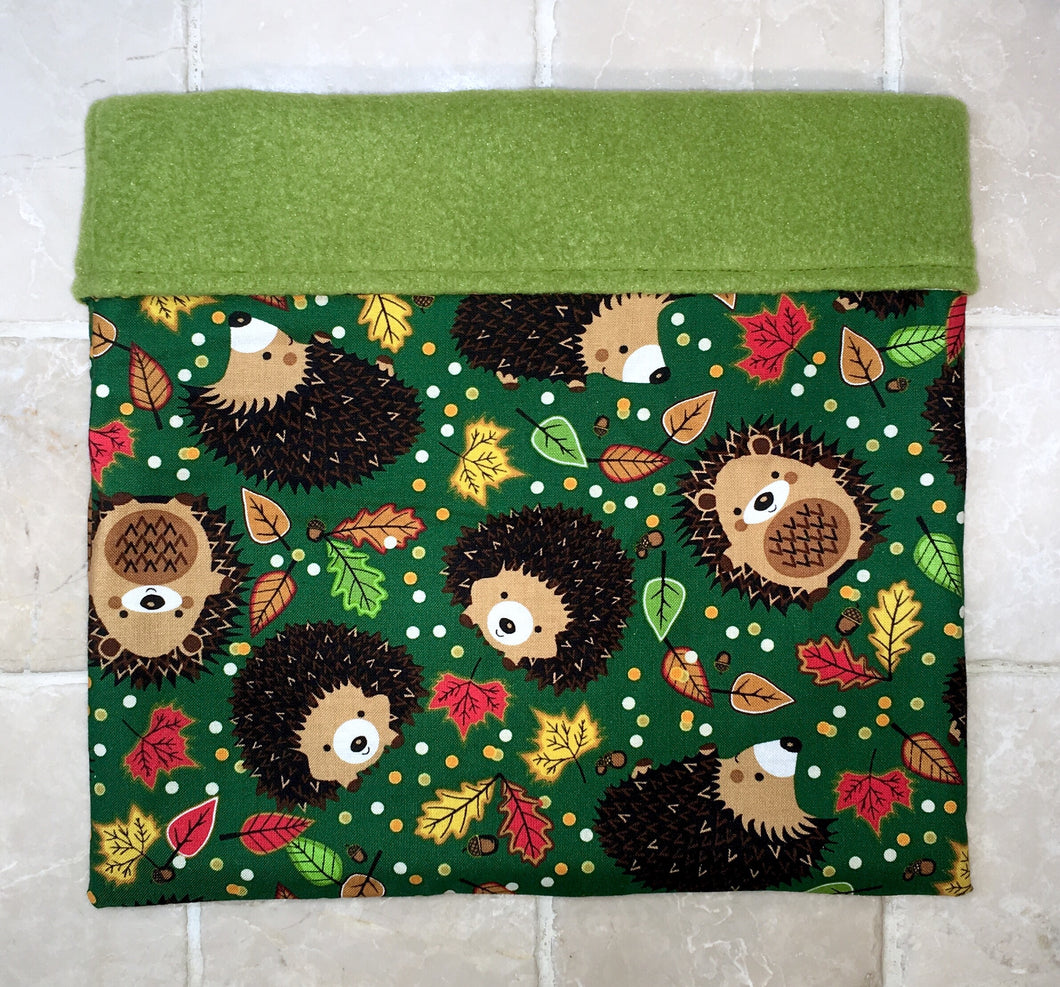 Sleeping Bag - Green Hedgehog Leaves