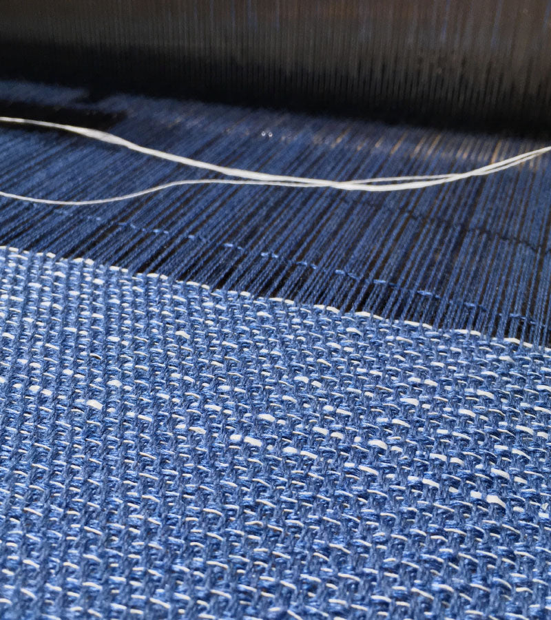 DISCOVER THE ARTISAN AND CRAFT SKILLS INVOLVED IN OUR MANUFACTURING PROCESS AND THE DIFFERENT WEAVING TECHNIQUES USED