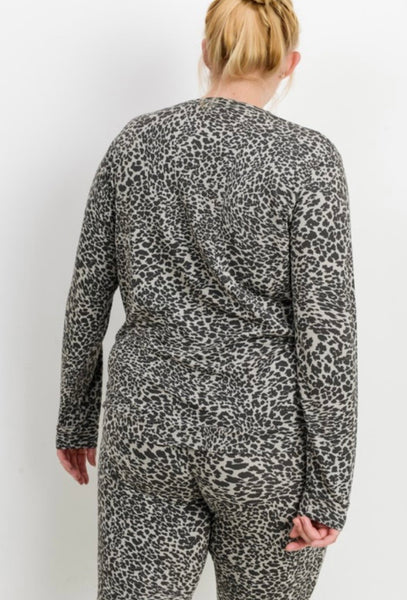Leopard Print Pullover- Curvy