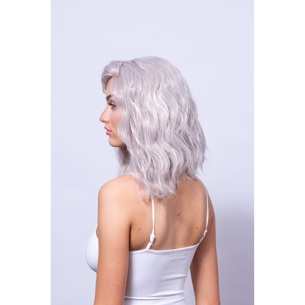 Short beach wave silver blonde wig