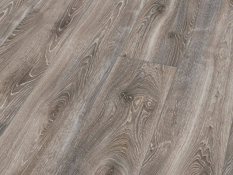 10MM MAMMUT PLUS LP AC5 HIGHLAND OAK TITAN LAMINATE FLOORING €18.84 Per sq Yard