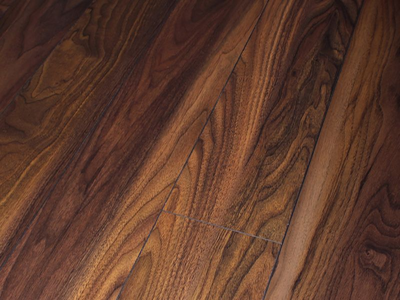 12MM LIFESTYLE AC4 KINSALE WALNUT LAMINATE FLOORING €13.90 Per sq Yard