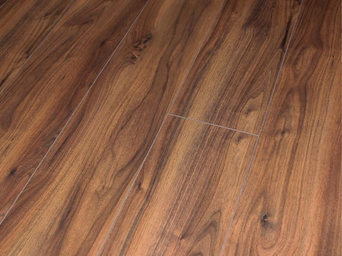 12MM ROBUSTO 4V AC5 AMERICAN WALNUT LAMINATE FLOORING €15.55 Per sq Yard
