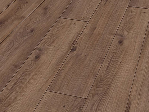 7MM SMART 4V AC3 ORMOND OAK LAMINATE FLOORING €8.20 Per sq Yard