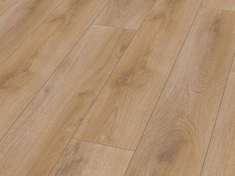 7MM SMART 4V AC3 SUMMER OAK LAMINATE FLOORING €8.20 Per sq Yard