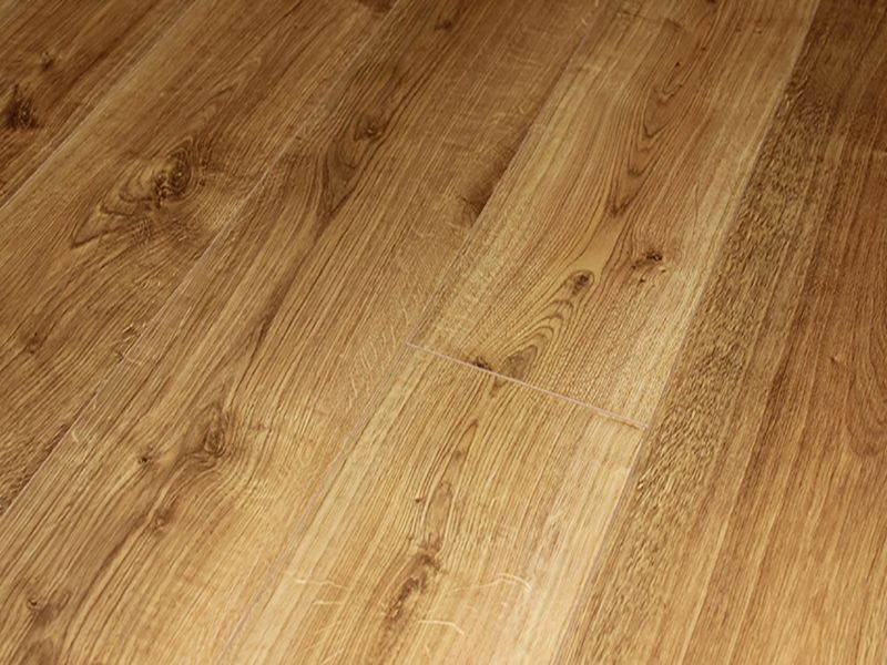 8MM DYNAMIC 4V AC4 IRISH OAK LAMINATE FLOORING €10.30 Per sq Yard