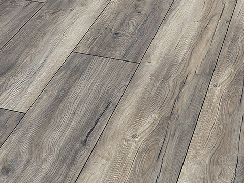 8MM DYNAMIC PLUS WIDE AC4 BARN OAK LAMINATE FLOORING €11.46 Per Sq Yard