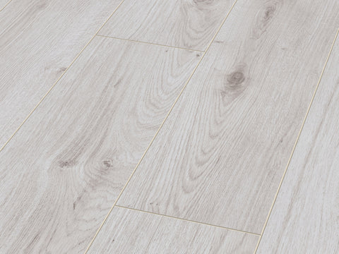 8MM EXCEL 4V AC4 POLAR OAK LAMINATE FLOORING €9.20 Per sq Yard